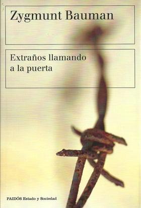 Tapa del libro EXTRAÑOS LLAMANDO A LA PUERTA